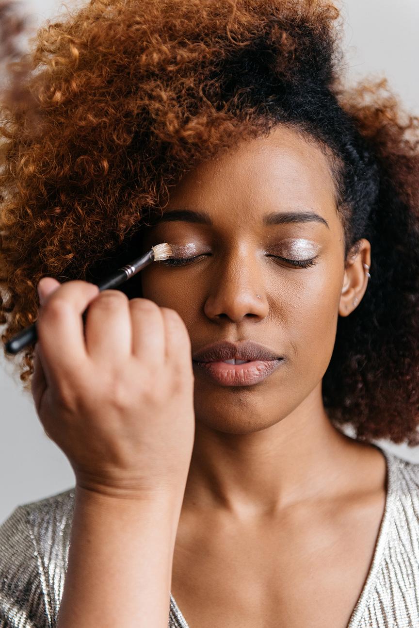 gold pigment makeup